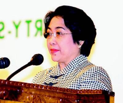 梅加瓦蒂成为印度尼西亚第一位女总统